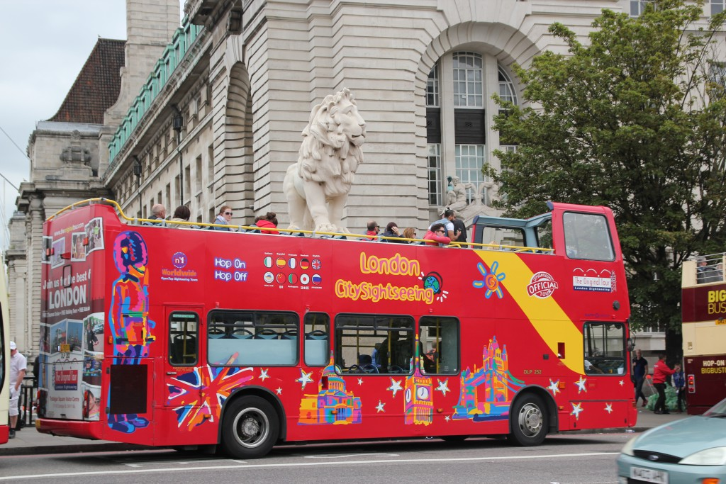 Roter Touristenbus in London