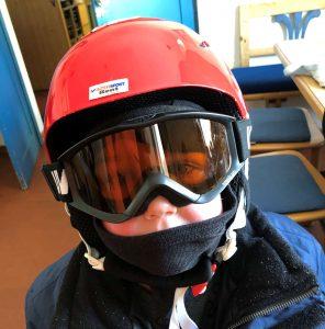 Kuschelmaus beim Skifahren